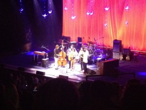 Norah Jones performing her encore in the traditional, bluegrass style. Cool.