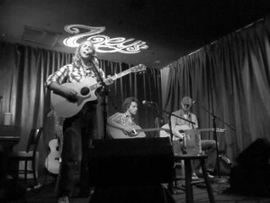 Performing in the round with Matt Zeltzer and Dan Grimm at Zoey's Café in Ventura, CA.