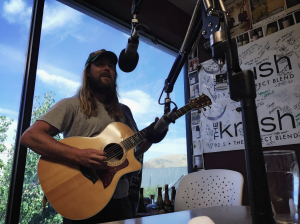 Performing LIVE in-studio on the KRUSH Lounge at KRUSH 92.5 FM.